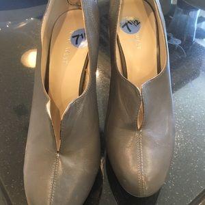 Gray heels!